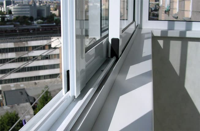 пластиковые Раздвижные системы (ПВХ, «Балконка»)